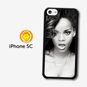 Rihanna Black & White Portrait Smoke Coque Pour Iphone 5c A1180