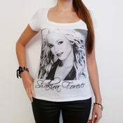 Shakira : T-shirt Femme Photo De Star One In The City