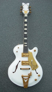 Rgm165 Neil Young White Falcon Guitare Miniature
