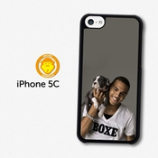Chris Brown Holding Puppy Portrait Coque Pour Iphone 5c A2014