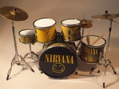 Rgm355 Dave Grohl Nirvana Kits De Batterie Miniatures Rock Guitar Miniatures Kurt Cobain Krist Novoselic Smels Like Teen Spirit Come As You Are Heart Shaped Box The Man Who Sold The World