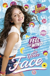 Poster + Suspension : Soy Luna Poster (91x61 Cm) Feel The Wind Et Kit De Fixation Transparent 1art1®